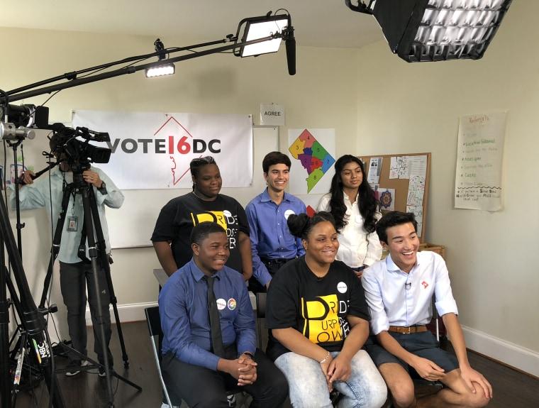 Image: Teen voting activists