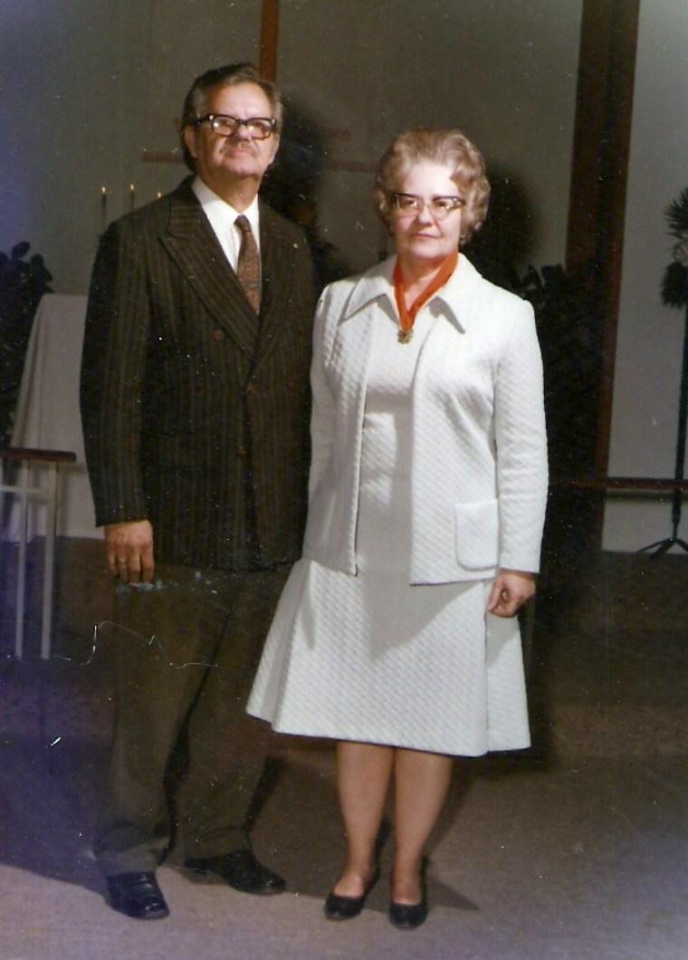 first Cracker Barrel, Don and Kathleen Singleton