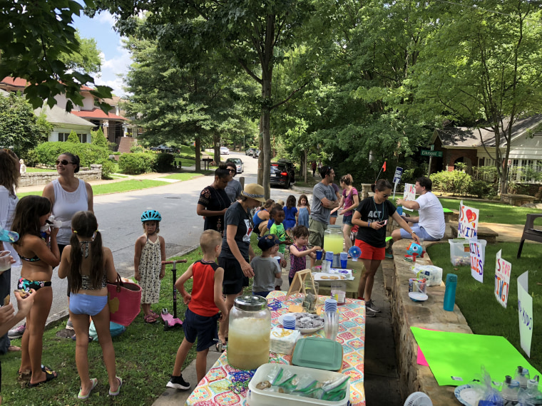 6-year-old inspires $13K lemonade stand fundraiser for separated migrant families