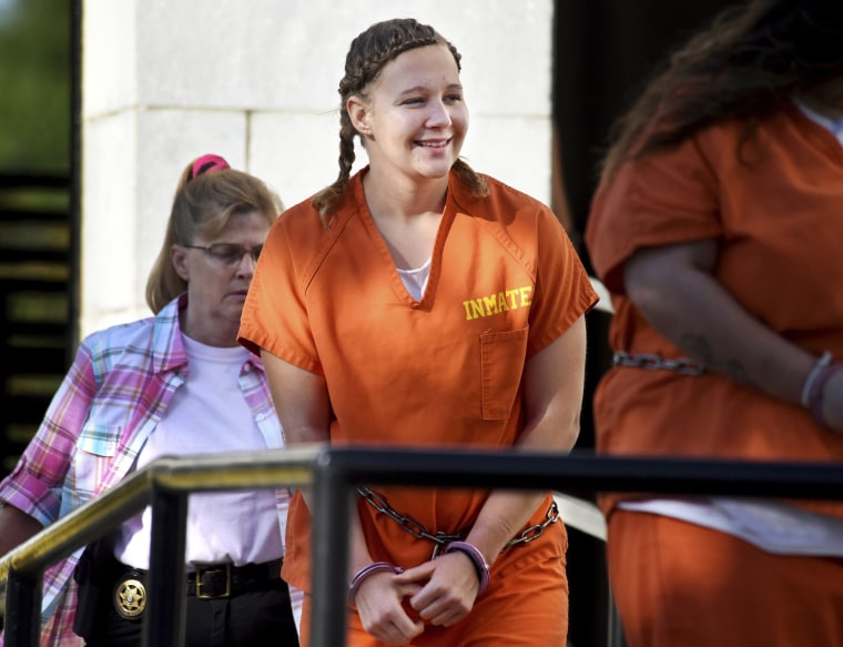 Image: Reality Winner, charged with leaking U.S. secrets to a news outlet, walks into the Federal Courthouse in Augusta,