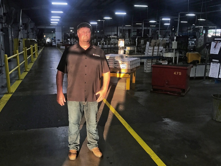 Chris Pratt has been working in the Mid Continent Nail Factory for 29 years. As the manager, he oversees all 500 employees and feels personally responsible for these tasks.