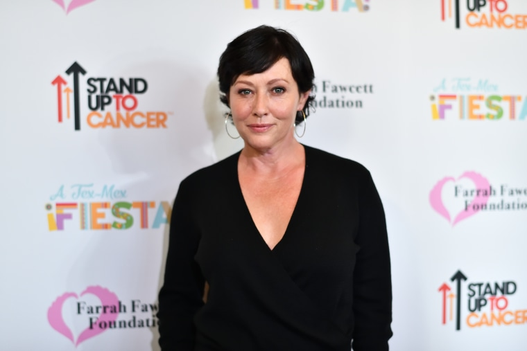 """Actress Shannen Doherty attends the Farrah Fawcett Foundation's \""""Tex-Mex Fiesta\"""" Honoring Stand Up To Cancer at Wallis Annenberg Center for the Performing Arts on September 9, 2017 in Beverly Hills, California."""