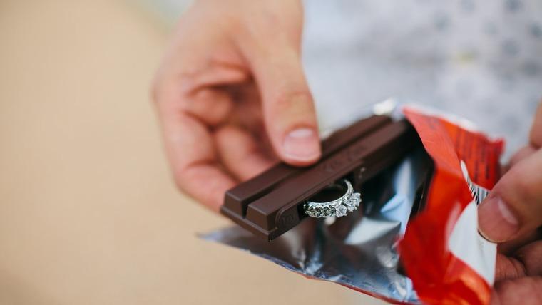 Man proposed with Kit Kat