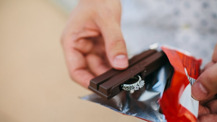 Man who went viral for eating a Kit Kat wrong used one to propose