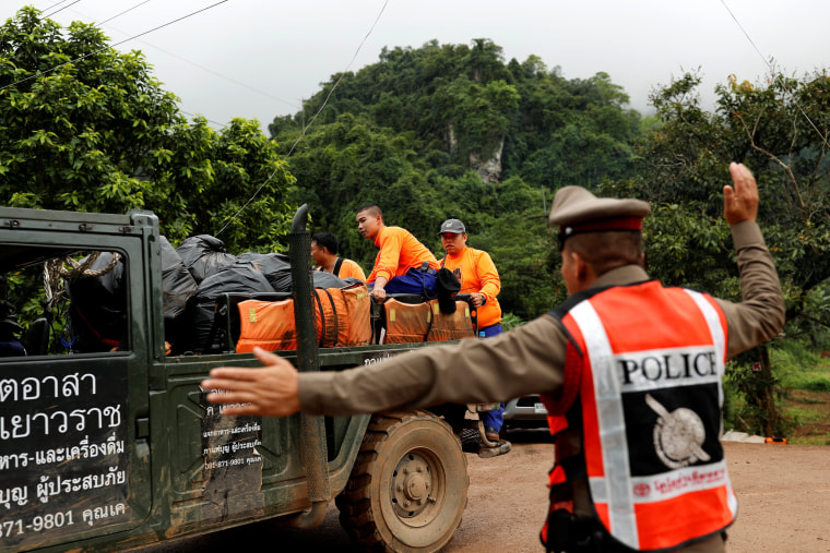 Mission to rescue boys trapped in Thailand cave has begun
