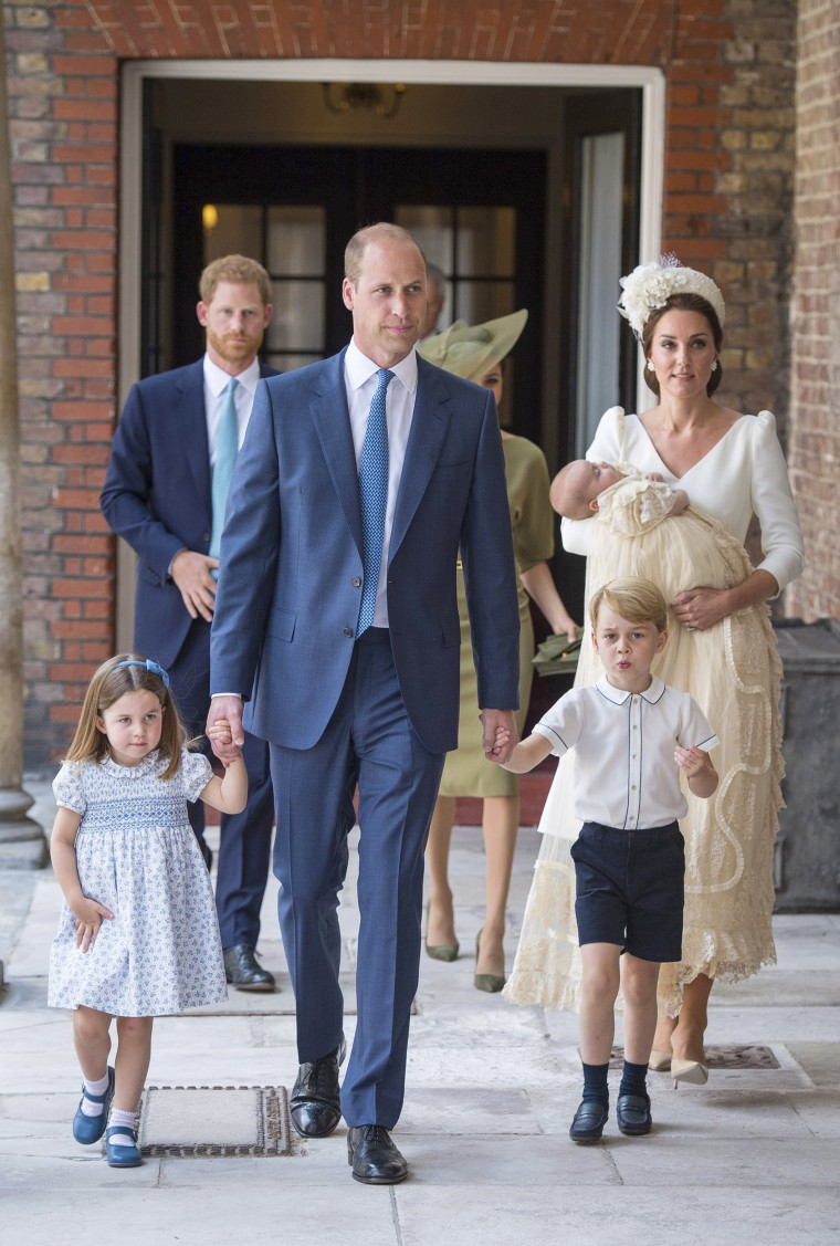 Princess Charlotte, Prince George, Prince William, Kate, Duchess of Cambridge, Prince Louis