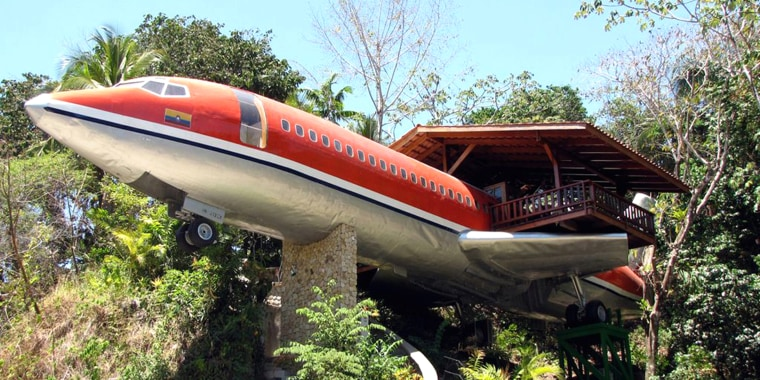 Costa Verde Hotel airplane