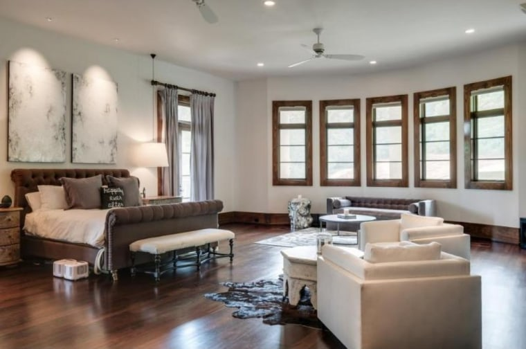Kristin Cavallari And Jay Cutler Are Selling Their