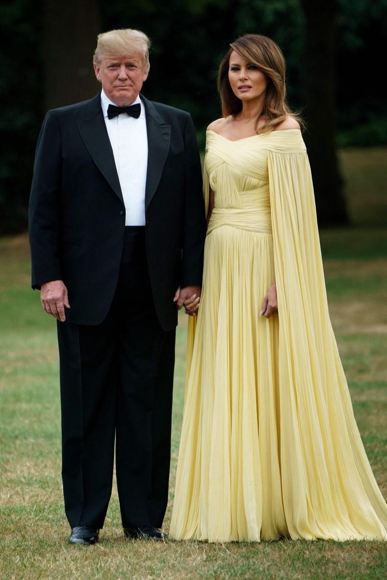 Melania Trump Dress Today Inline 002 Fit Emma Watson Arrives Beauty Beast