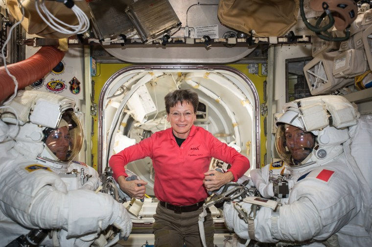 Image: NASA astronaut Peggy Whitson sets record-breaking for most cumulative days in space aboard the International Space Station