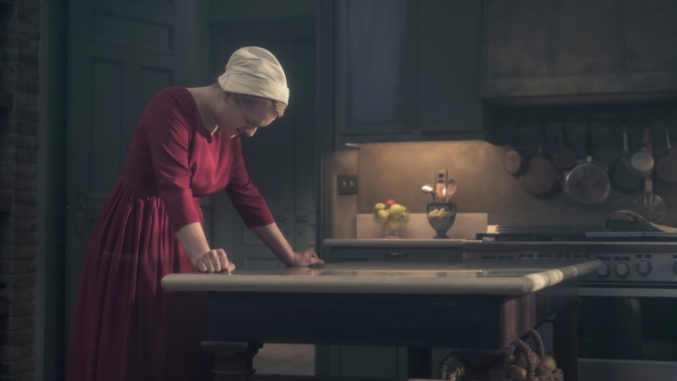 handmaid's tale season 3 - photo #20