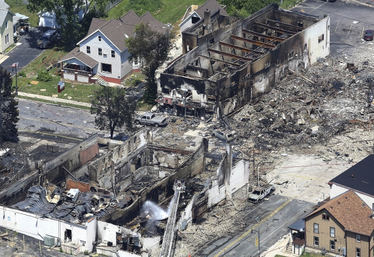 Image: The aftermath of a gas explosion in downtown Sun Prairie, Wisconsin