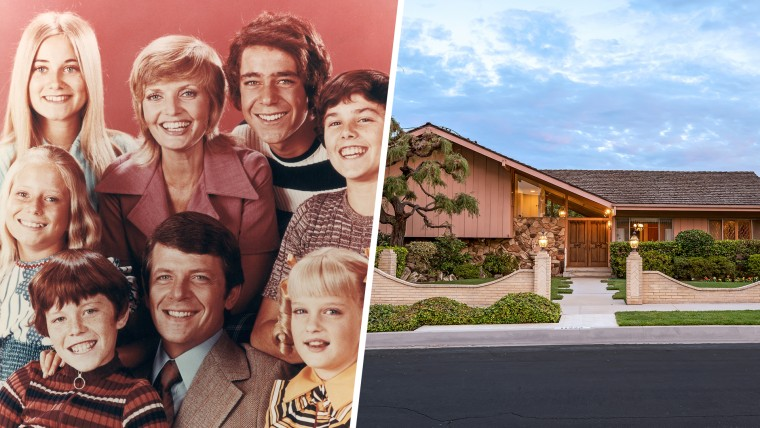 """""""The Brady Bunch"""" cast and house"""