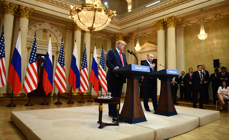 Image: Trump and Putin hold a press conference