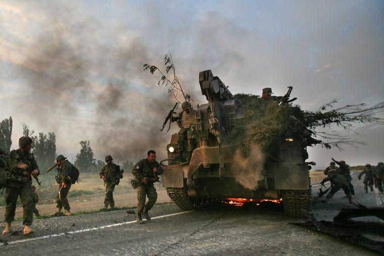 Image: Georgian soldiers in 2008