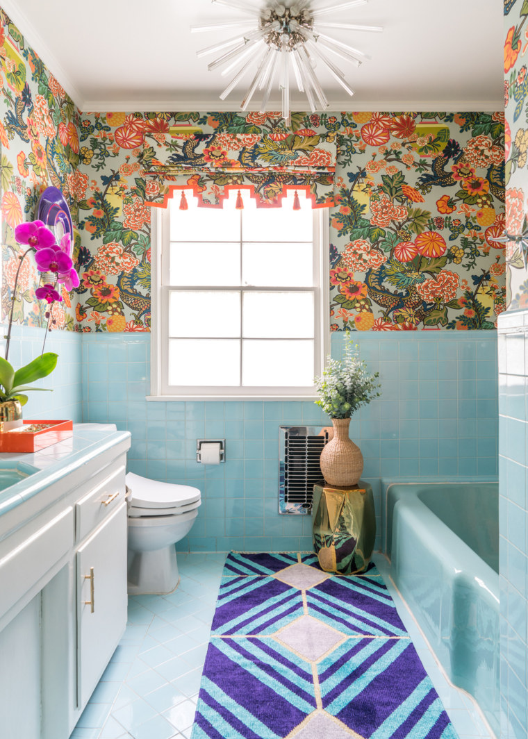 Bathroom makeover: Printed wallpaper makes colorful tile look new