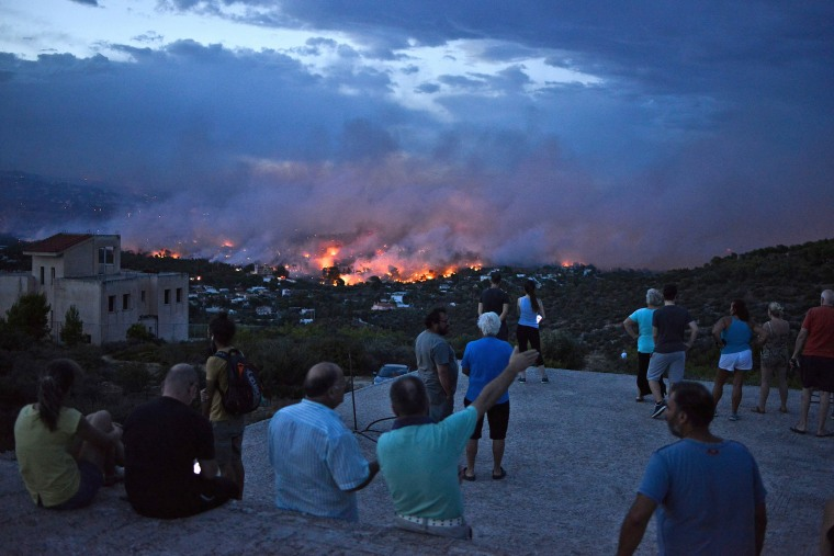 Image: TOPSHOT-GREECE-FIRE