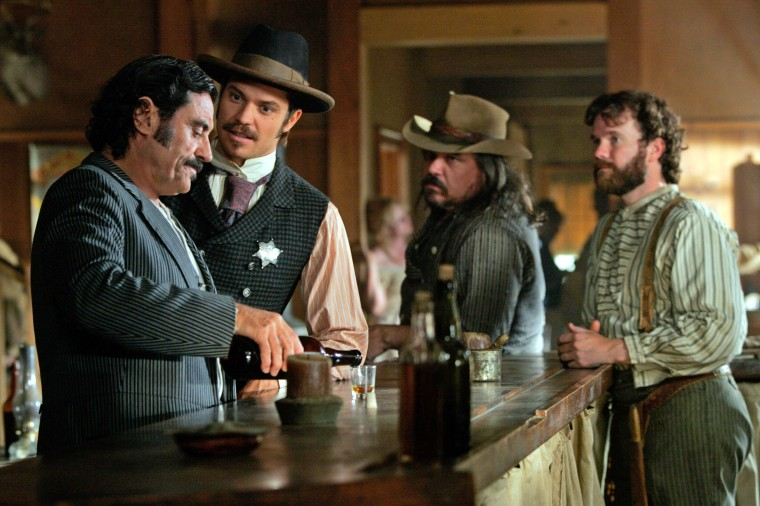 DEADWOOD, (from left): Ian McShane, Timothy Olyphant, W. Earl Brown, Titus Welliver, (Season 3), 200