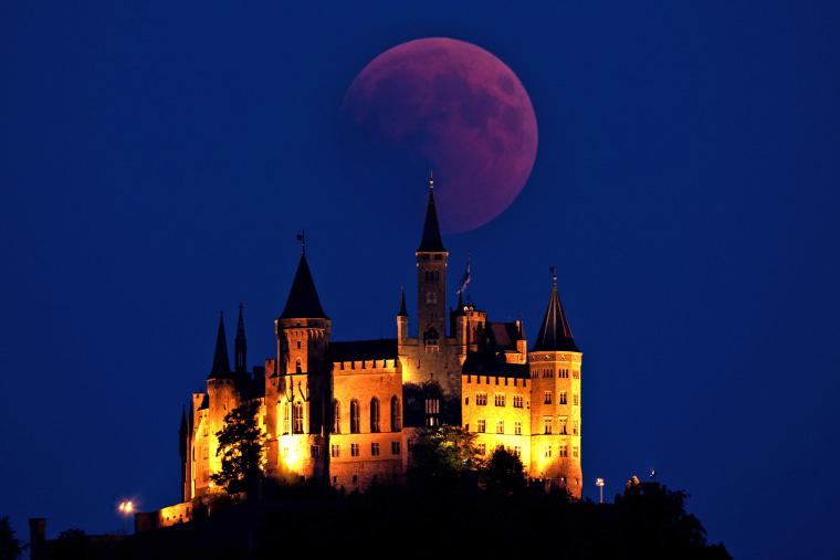 Image: Total Lunar Eclipse Over Germany