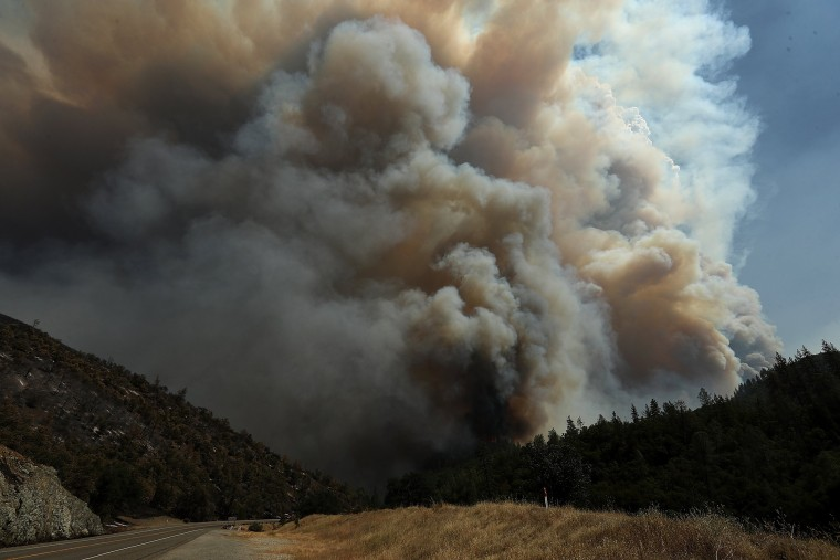 Image: Major Wildfire Spreads To 28,000 Acres, Threatens Redding, CA