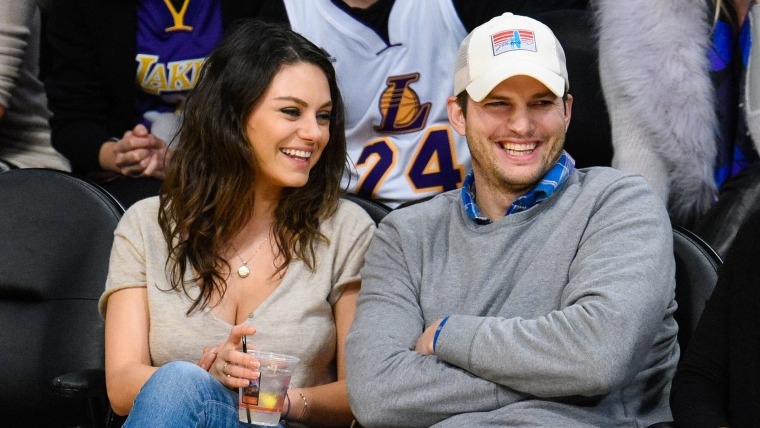 Image: Image: Celebrities At The Los Angeles Lakers Game