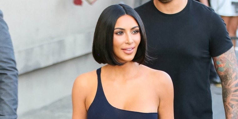 Kim Kardashian West just stepped out with a gorgeous, blunt bob.