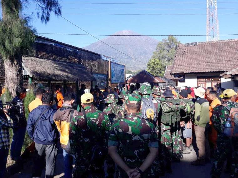 IMAGE: Indonesian rescue team