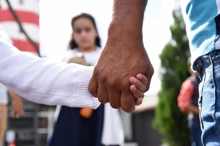 Image: Immigration Migrant Child, Parent