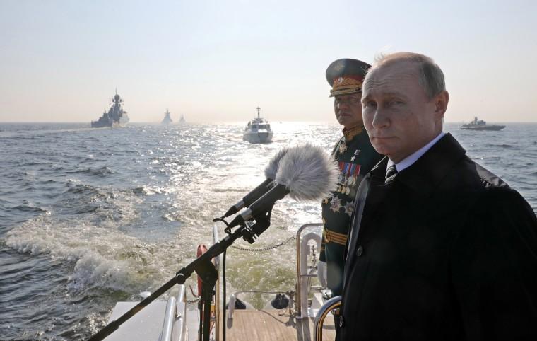 Image: Naval Parade in St.Petersburg