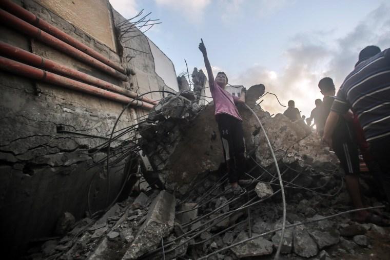 Image: Israeli airstrikes in Gaza