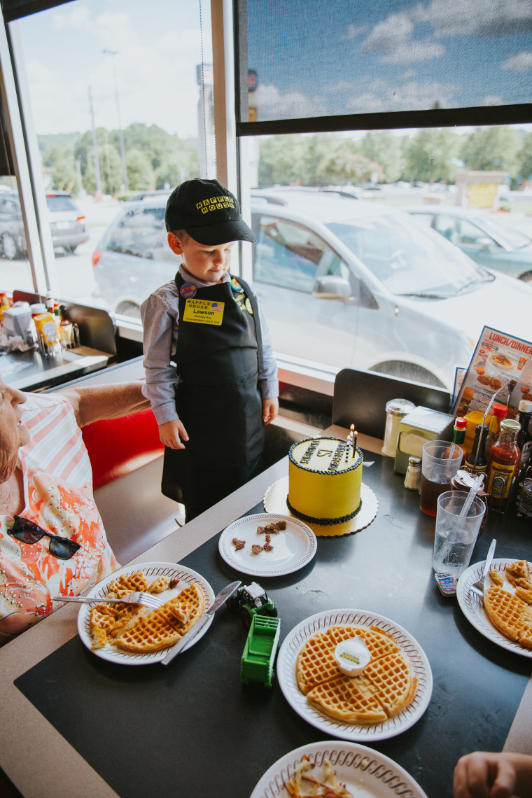 Waffle House Birthday Party For 3-year-old Held In Georgia