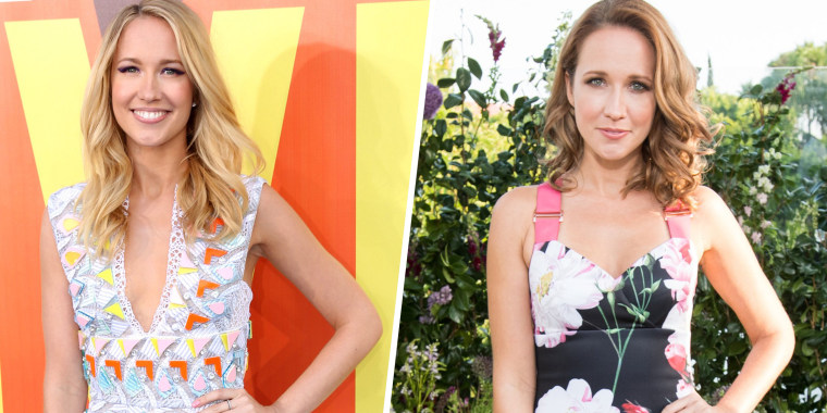 Anna Camp looks beautiful as a blonde and as a brunette!
