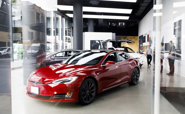 Image: Tesla Dealership