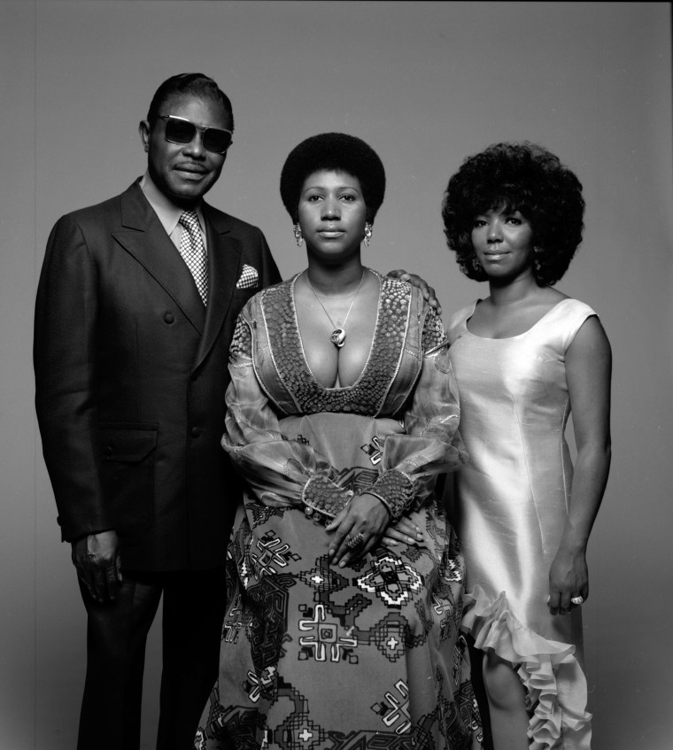 Image: Portrait Of Aretha Franklin & Family