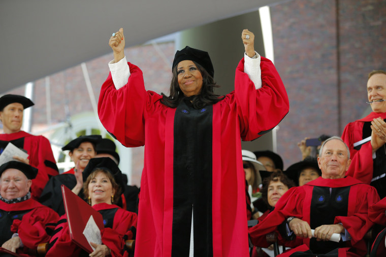 Image: Aretha Franklin acknowledges the applause as she receives a honorary Doctor of Arts degree at Harvard University in Cambridge