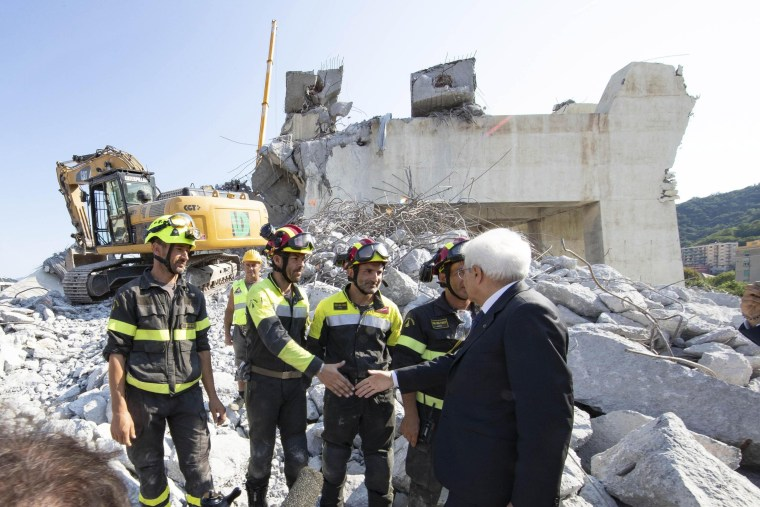 Image: President Mattarella visits highway bridge collapse in Genoa