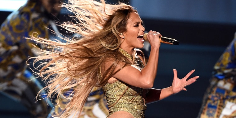 Jennifer Lopez returns to VMAs stage with show-stopping ...
