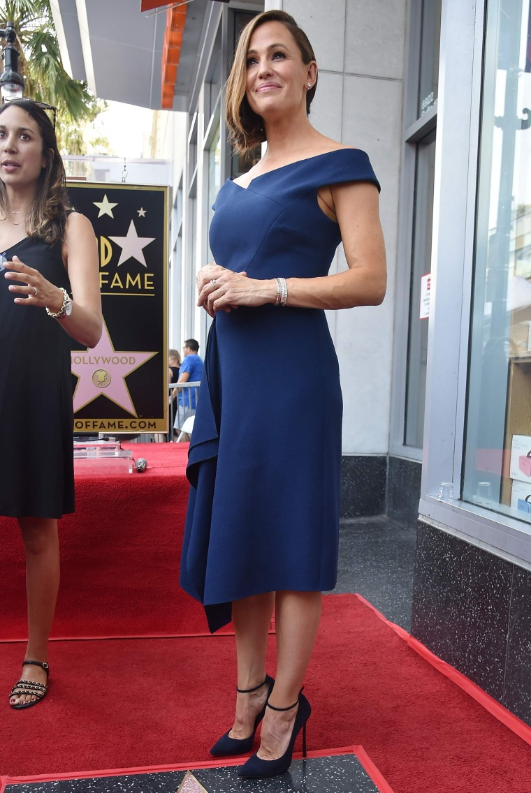 Jennifer Garner wears same dress as Meghan Markle
