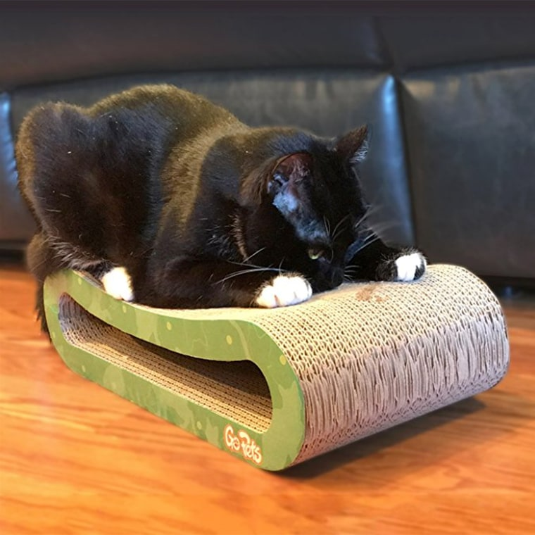 GoPets Premium Cat Scratcher