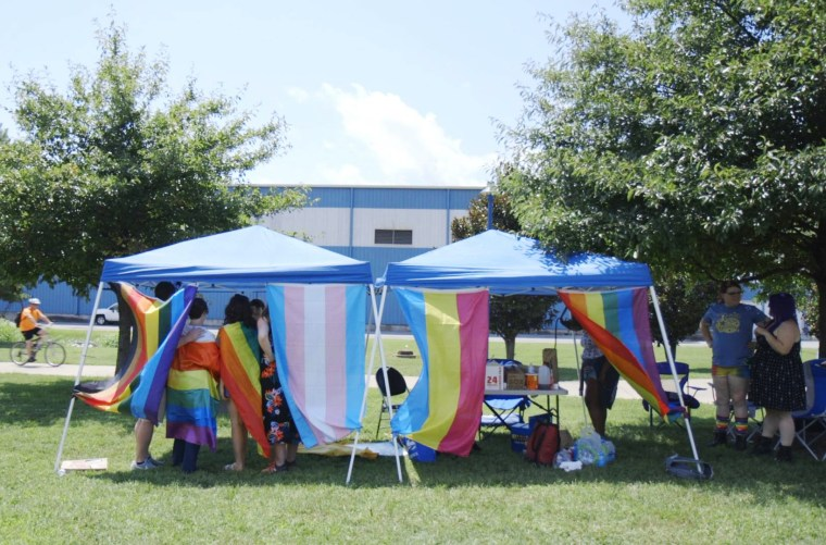 Image: The Chattanooga Queer Community Forum set up tents outside a local polling center