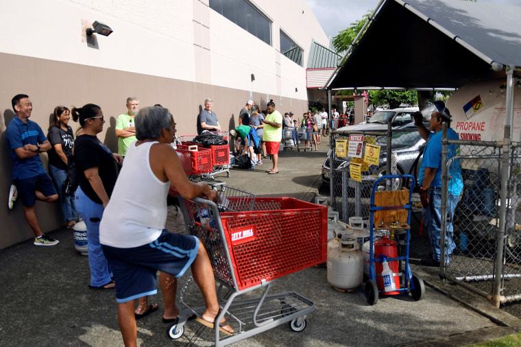 Image: Hurricane preparations in Honolulu