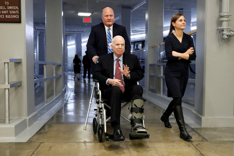 John McCain discontinues brain cancer treatment, family says