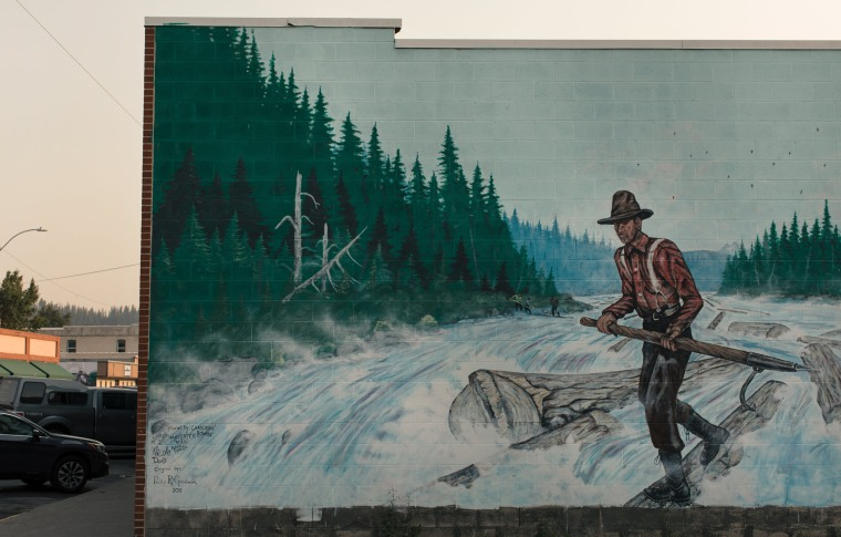 Image: A mural in Libby, Montana