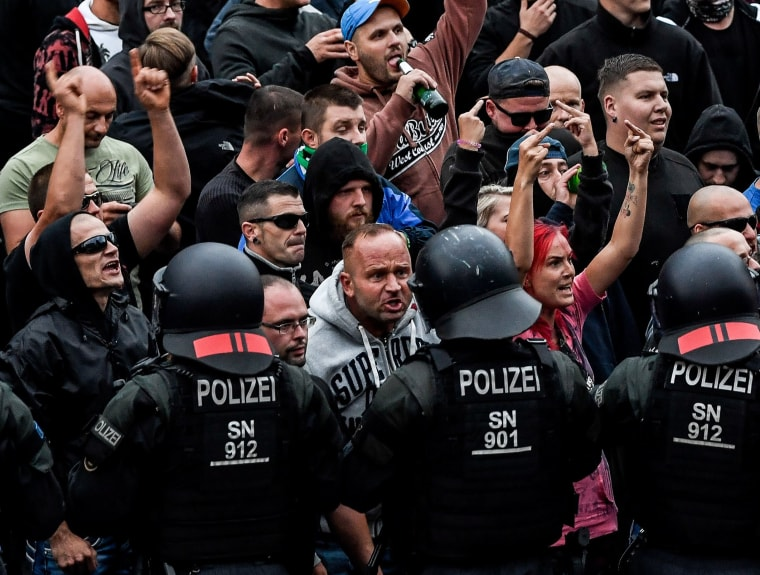 Image: Right-wing demonstration and counter protests in Chemnitz, Germany