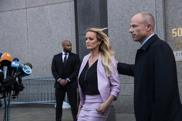 Image: Stormy Daniels and Michael Avenatti exit courthouse