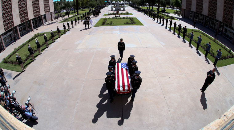 Image: The Arizona National Guard carries U.S. Senator John McCain's casket during a memorial service