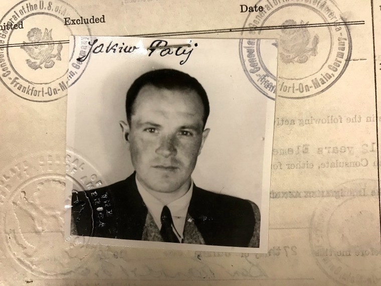 Image: Nazi camp guard Palij deported from US to Germany