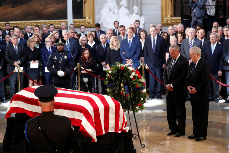 Image: U.S. Senator John McCain lies in state in the U.S. Capitol Rotunda in Washington