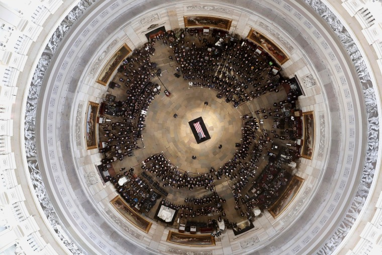 Image: The casket of US Senator John McCain