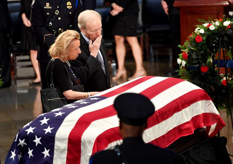 Image: US-politics-McCain